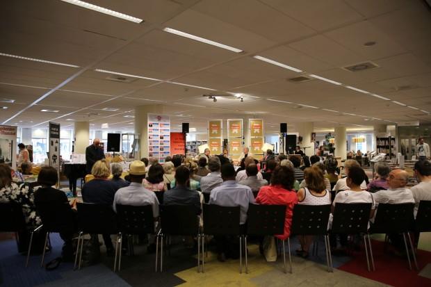 Publiek Rotterdam Keti Koti 2015 CS2B2622_small (15)